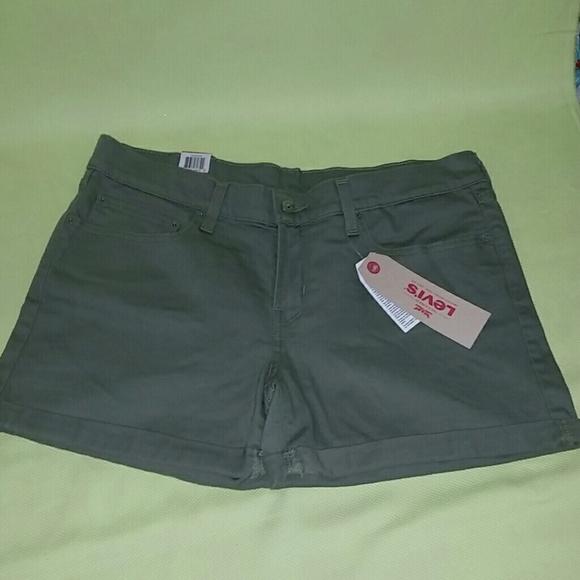 Levi's Pants - NWT Levi's shorts
